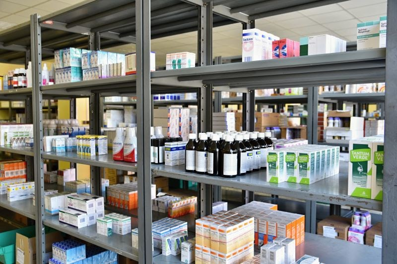 Legal online pharmacy warehouse that complies with pharmaceutical regulations and laws